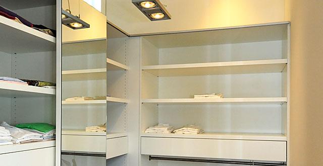 projekte kleiderschr nke ber uns tischlerei trojahn. Black Bedroom Furniture Sets. Home Design Ideas